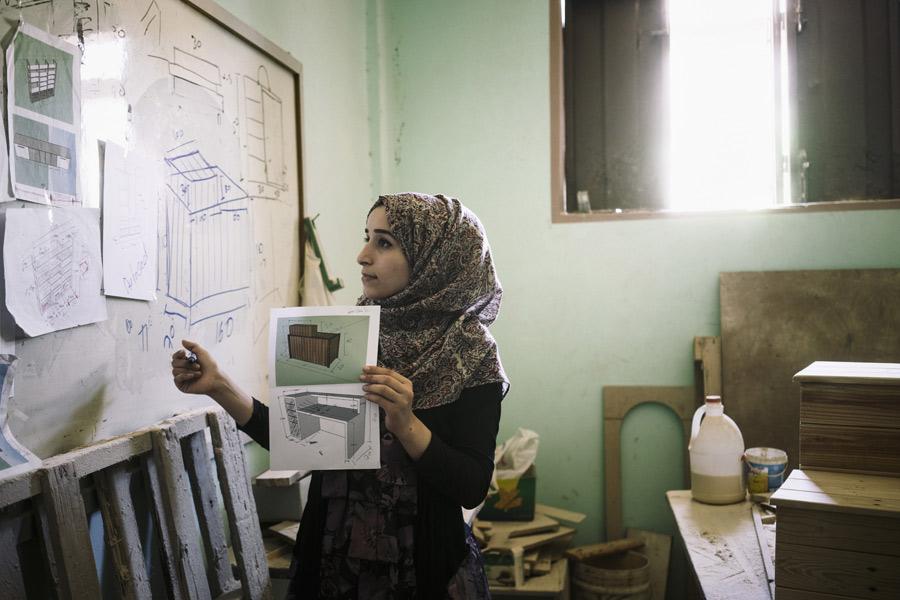Aya, 27, is an architect and designer from Al-Zaytoon neighborhood,east of Gaza city. Credit: Lorenzo Tugnoli/Oxfam
