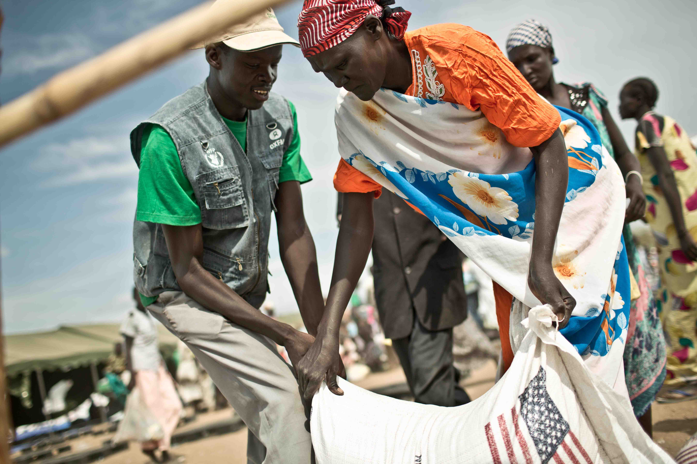 Daniel the 'man of food', South Sudanese, EFSL officer Minkaman. Photo credit: Pablo Tosco/Oxfam