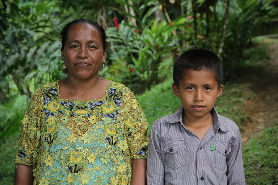 Dominga Botzoc, de 41 años, huyó con su hijo de un año cuando ocurrieron los desalojos de 2011. Foto: José Fernando Alonzo/Oxfam