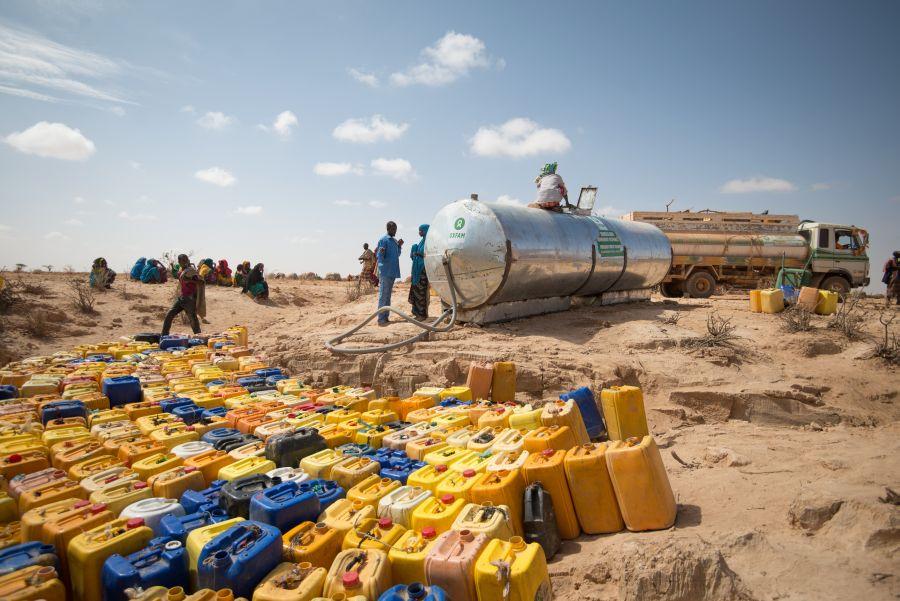Oxfam fournit 16 000 litres d'eau par jour dans le camp pour déplacés de Fadhi Gaab, Somaliland. Photo: Allan Gichigi/Oxfam