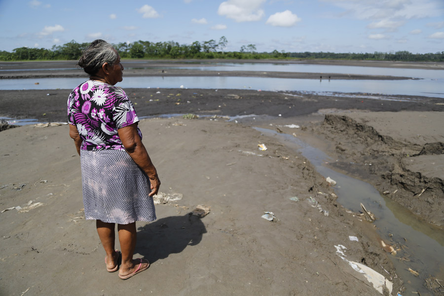 Pendant 40 ans, les communautés quechua au Pérou ont vécu sur des terres et près de rivières contaminées par l'industrie extractive, avec des conséquences néfastes sur leur santé et sur leurs moyens de subsistance.