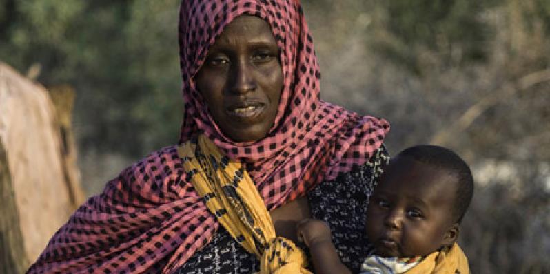 Mako et son mari Mahamud, des agropasteurs de la région Somali, sont confrontés depuis deux ans à des conditions météorologiques extrêmes. Photo: Kieran Doherty/Oxfam