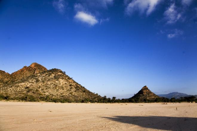 On the way from Hargeisa to Berbera, Somaliland. Photo credit: Petterik Wiggers.