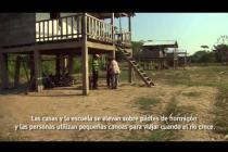 Agricultora británica afectada por una inundación severa visita Bolivia con Oxfam