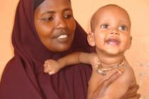 Mohamed ya recuperado junto a su madre, Fadumo. Autor: Oxfam