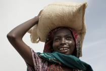 Food distribution in Chad. Photo: Abbie Trayler-Smith/Oxfam