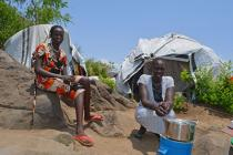 south sudan camp families cooking
