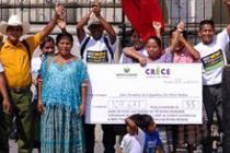 Acto de calle previo a la entrega de firmas. Ciudad de Guatemala. Abril 2013