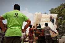 A medida que llega la época de lluvias y ciclones en Bangladesh, en Oxfam continuamos trabajando para proporcionar ayuda de emergencia a las familias rohinyá refugiadas y ayudarles a prepararse ante posibles desastres. Fotografía: Maruf Hasan/Oxfam