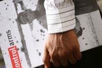 Photo d'un rapport de la campagne Contrôlez les armes