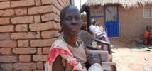 Helena, chassée de sa terre, vit à présent dans la ville de Wau, État du Bahr El Ghazal occidental, Soudan du Sud.