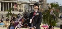 Au lendemain du scandale des Panama Papers en 2016, des militant·e·s ont transformé Trafalgar square, à Londres, en un paradis fiscal tropical afin de pousser les dirigeant·e·s mondiaux à agir contre l'évasion fiscale. Photo : Andy Hall/Oxfam