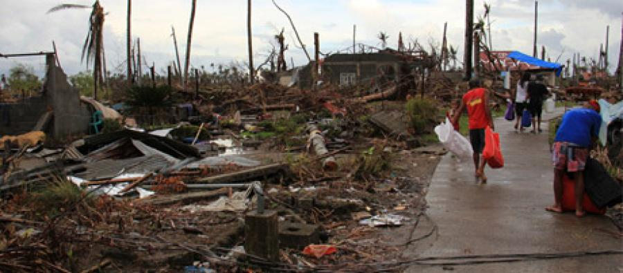 Comunidad de Barangay Magay después del paso tifón. Foto: Anne Wright/Oxfam