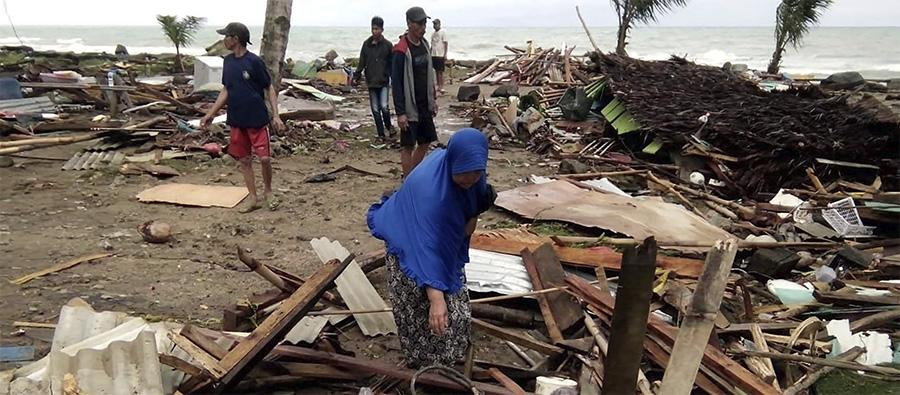 Residents inspect the damage to their homes on Carita beach on December 23, 2018, after the area was hit by a tsunami on December 22. Photo SEMI/AFP/Getty Images