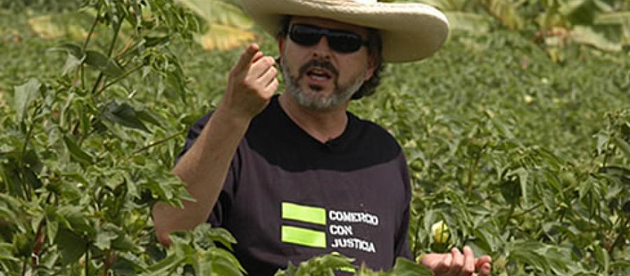 Miguel Bose during his visit to Peruvian cotton farmers