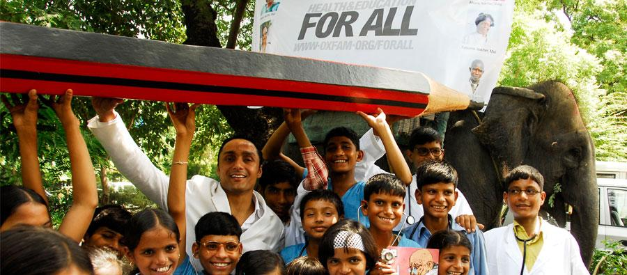 "Rahul Bose signs Oxfam's giant ""For All"" Petition in Delh"